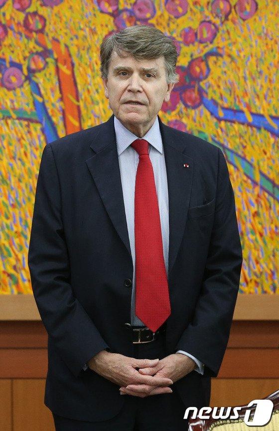 [사진]외교부 찾은 띠에리 드 몽브리알 IFRI 소장