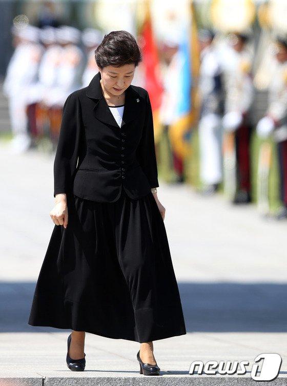 [사진]박근혜 대통령, 현충일 추념식 참석