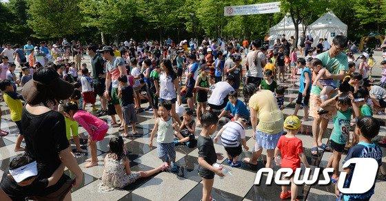 [사진]휴일 서울숲 찾은 시민들