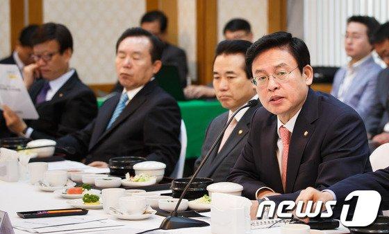 정우택 새누리당 의원. 2013.5.15/뉴스1 © News1   유승관 기자