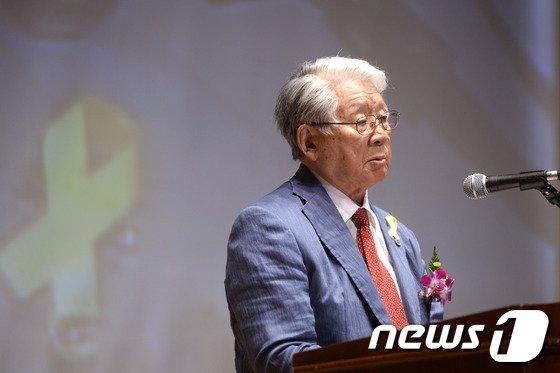 [사진]박상증 이사장, 임명논란 속 6.10민주항쟁 기념식