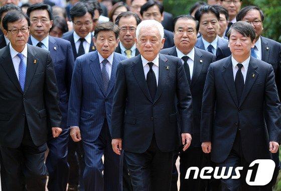 [사진]野, 6.10항쟁 정부 기념식 '불참'