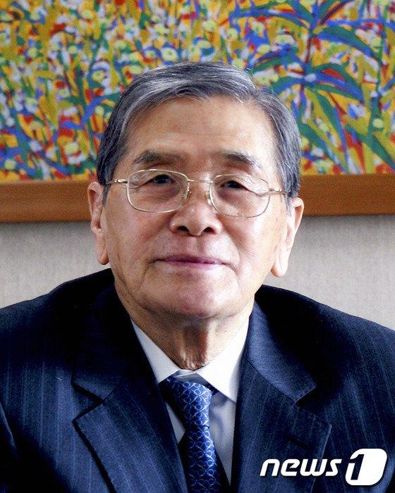 국내 1세대 연극평론가인 여석기 고려대 명예교수. © News1