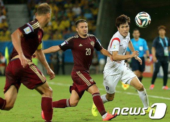[사진][월드컵] 펄펄 날아 다니는 한국영