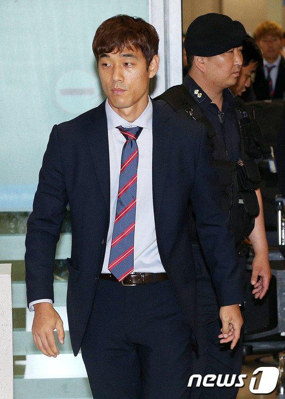 [사진][월드컵] 무거운 표정의 박주영