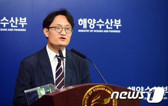 [사진]브리핑하는 허철 KRISO 책임연구원