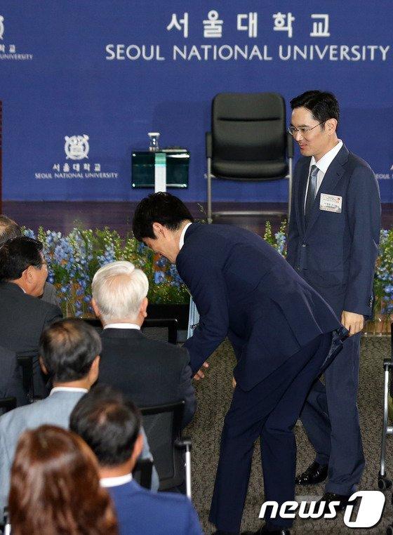 [사진]시진핑 서울대 특강 찾은 이재용 부회장