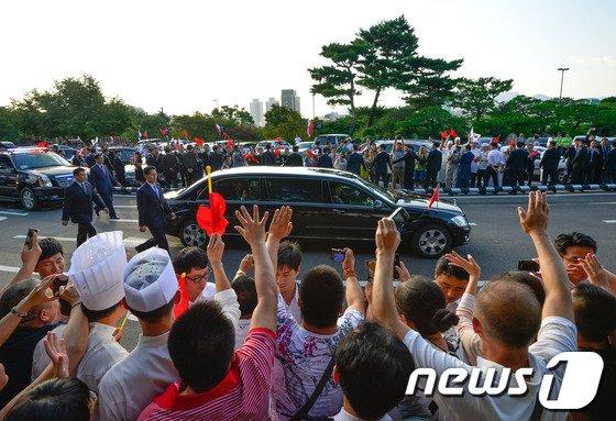 [사진]중국에서 봐요 시진핑!