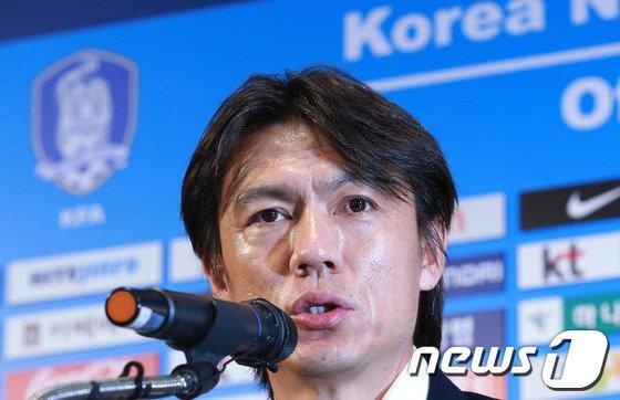 [사진]전격 사퇴하는 홍명보 감독