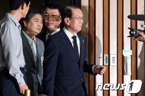 [사진]김기춘 비서실장, 세월호 국조특위 출석