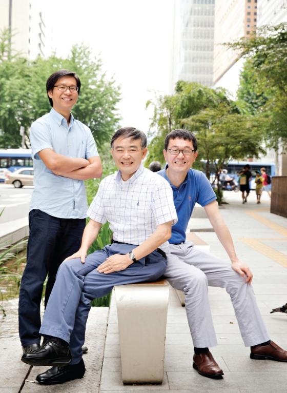 (왼쪽부터) 김학진, 김경진, 이대열 교수