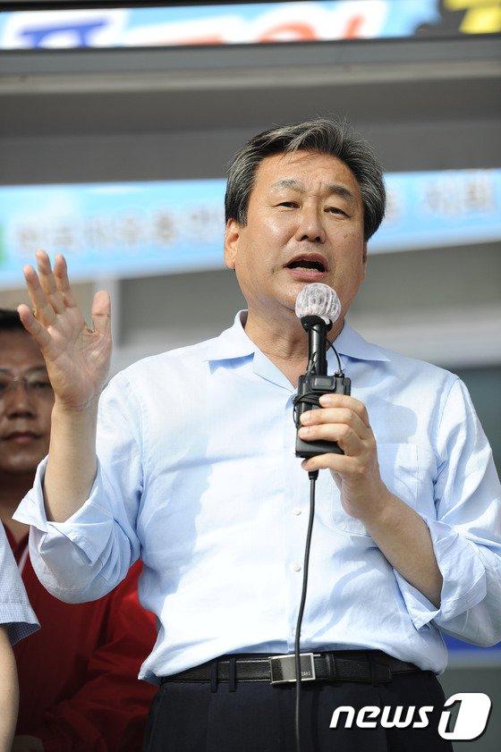 [사진] 김무성 '배덕광 후보 믿어주세요!'