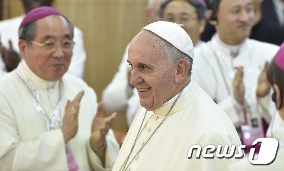 [사진]'교황 미소'