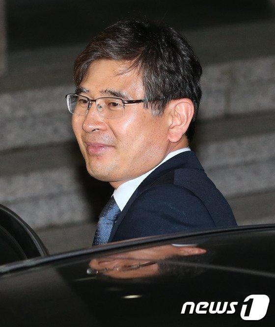 [사진]검찰 조사 받은 김재윤