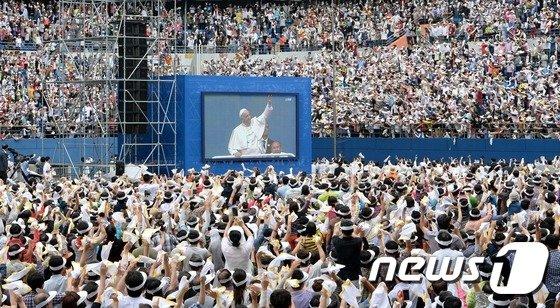 [사진]'교황님 안녕하세요'