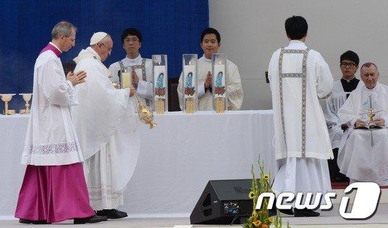 [사진]미사 집전하는 프란치스코 교황