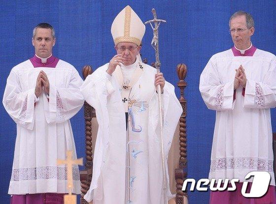 """[사진]프란치스코 교황 """"한반도 평화가 세계평화의 동력"""""""