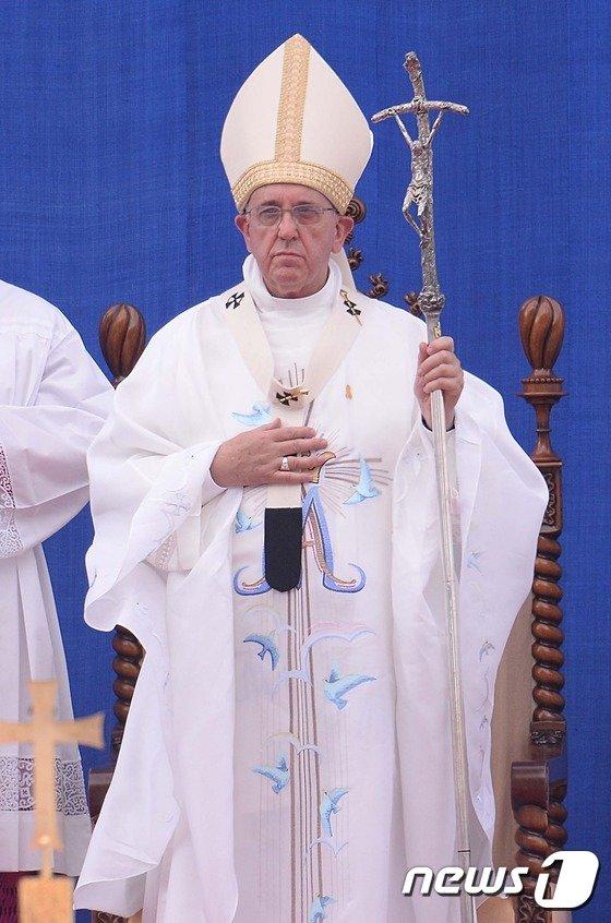 [사진]교황, 평화·정의 '희망 메시지'