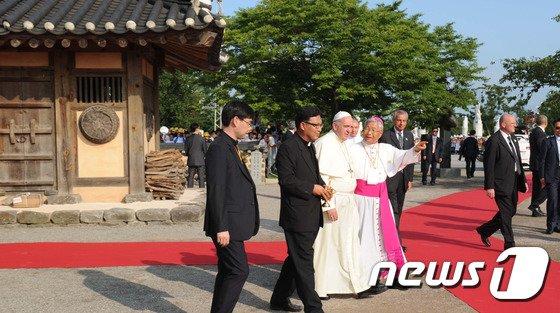 [사진]솔뫼성지 방문한 프란치스코 교황
