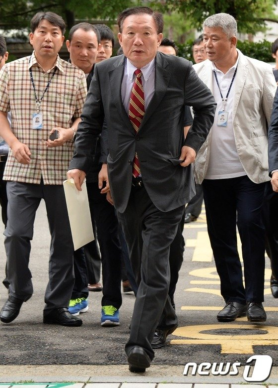 [사진]'정치자금법 위반 혐의' 박상은 의원 영장실질심사 출석