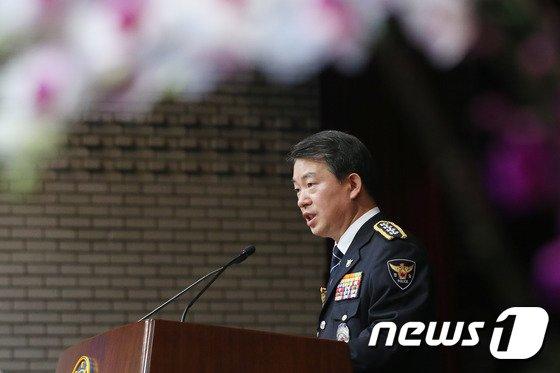 """[사진]강신명 경찰청장 """"기초치안 확립"""""""