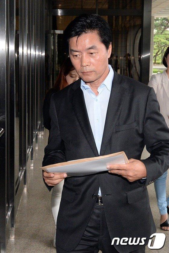 [사진]'간통 아냐' 정성근, 박영선 등 명예훼손 혐의 고발