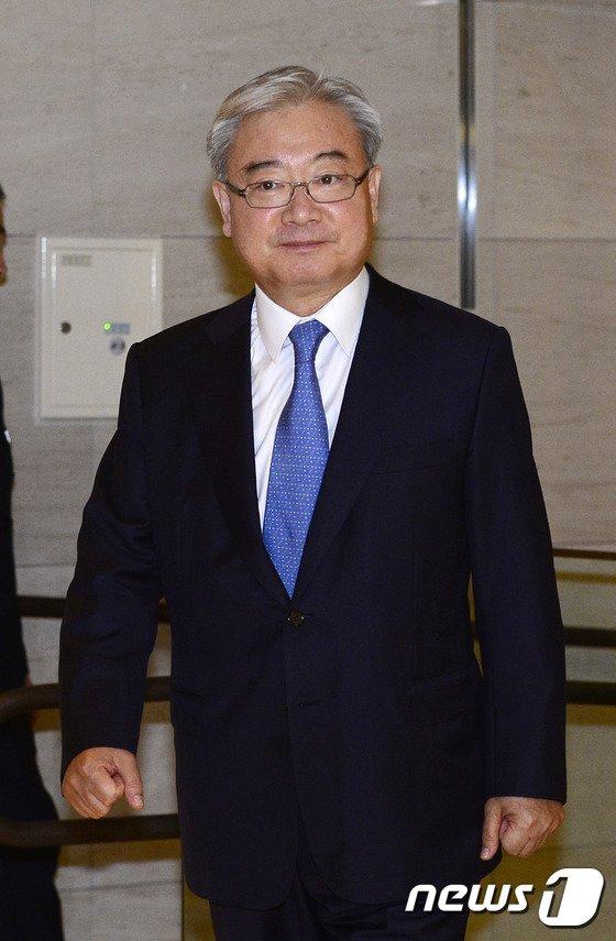[사진]선진한반도포럼 참석한 김석동