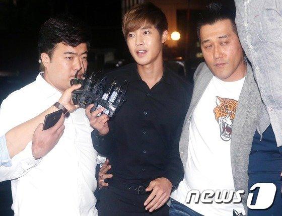 [사진]경찰서 출석하는 김현중