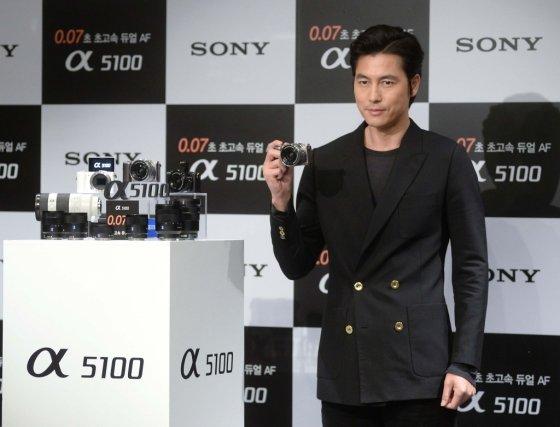 배우 정우성이 지난달 소니의 신제품 알파5100 출시 행사에 참석했다./사진=소니코리아