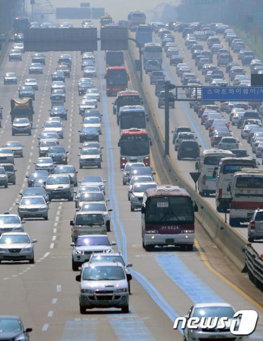 [사진]서울로 돌아오는 귀경차량들
