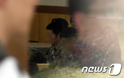 [사진]군사법정에서 재판 받는 윤 일병 가해자들
