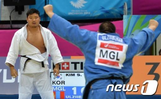 [사진]김성민 '31초만에 통한의 한판패'