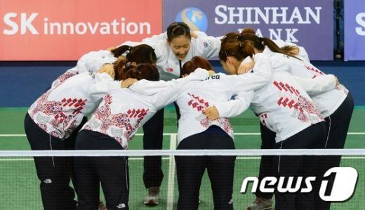 [사진]대한민국 女 배드민턴 대표팀 '승리 다짐'