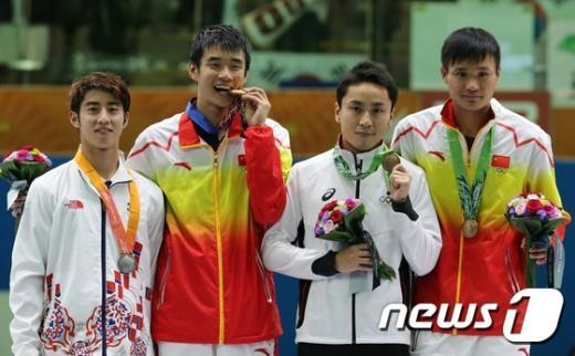 [사진]허준, 남자 펜싱 플뢰레 개인전 은메달