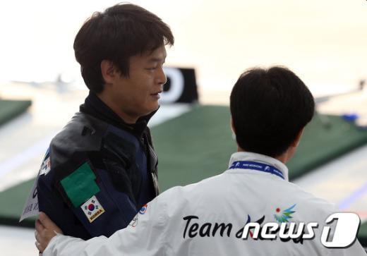 [사진]노장 스나이퍼 박봉덕 '50m 소총복사 동메달'