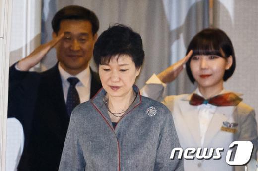 [사진]북미 순방 마친 박 대통령