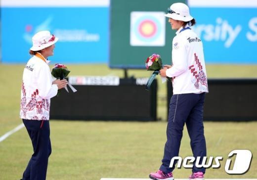 [사진]최보민-석지현 '금은 대화'