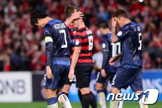 [사진]FC서울, 시드니 원정 0-2 패배