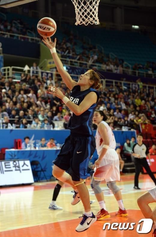 [사진]김단비 '우아하게 날아올라'