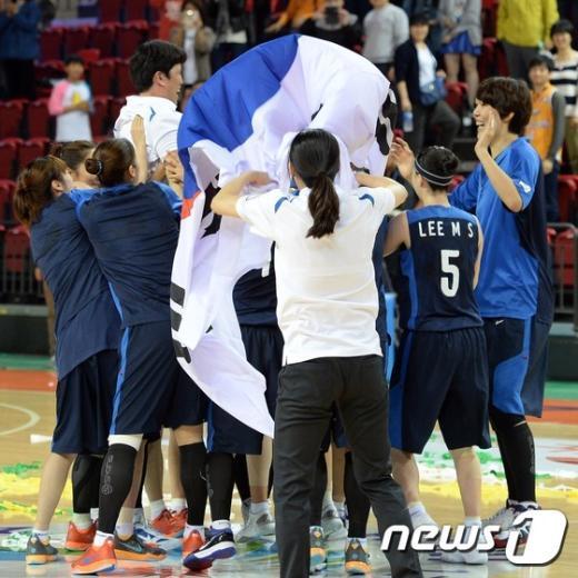 [사진]'우승이다' 아시아 정상에 오른 여자농구