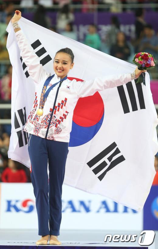 [사진]손연재, 한국 리듬체조 역사상 첫 AG 금메달 '쾌거'