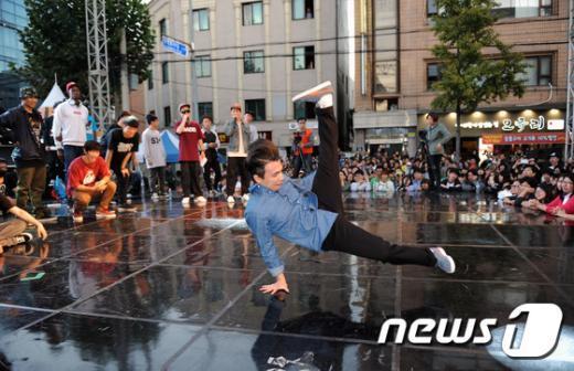 [사진]세계 거리 춤축제 '한국의 B-BOYING 최고!'