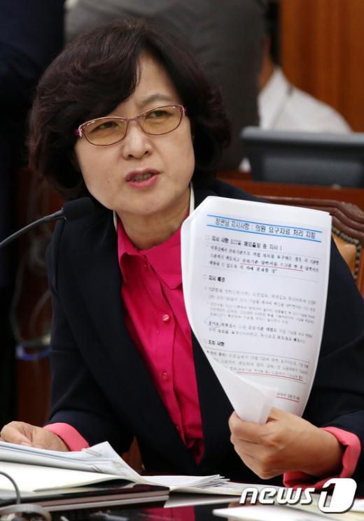 [사진]추미애 '국감 요구자료 사전 검열 지시 관련 발언'