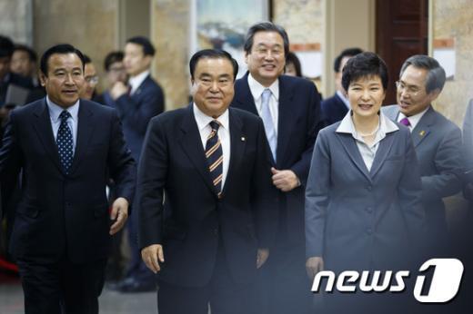 [사진]국회에서 여야 지도부 만난 박근혜 대통령