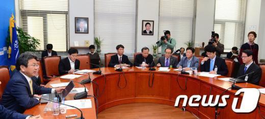 [사진]새정치민주연합 공적연금TF 회의