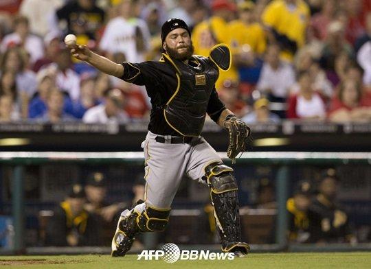 러셀 마틴(31, 피츠버그 파이어리츠)의 LA 다저스 복귀가 이루어질까./ AFPBBNews=뉴스1<br /> <br />