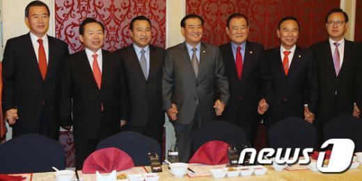 [사진]새누리 충청권 의원 '예산안 및 선거구 논의'