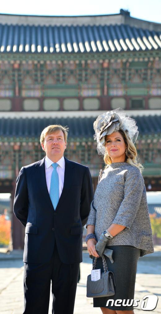 [사진]경복궁 둘러보는 네덜란드 국왕 내외