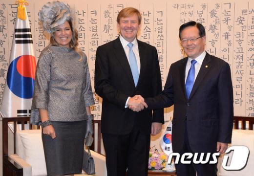 [사진]악수하는 정의화 국회의장과 네덜란드 국왕
