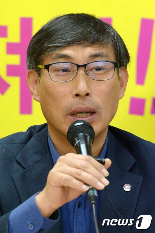 [사진]모두발언하는 김정훈 전교조 위원장